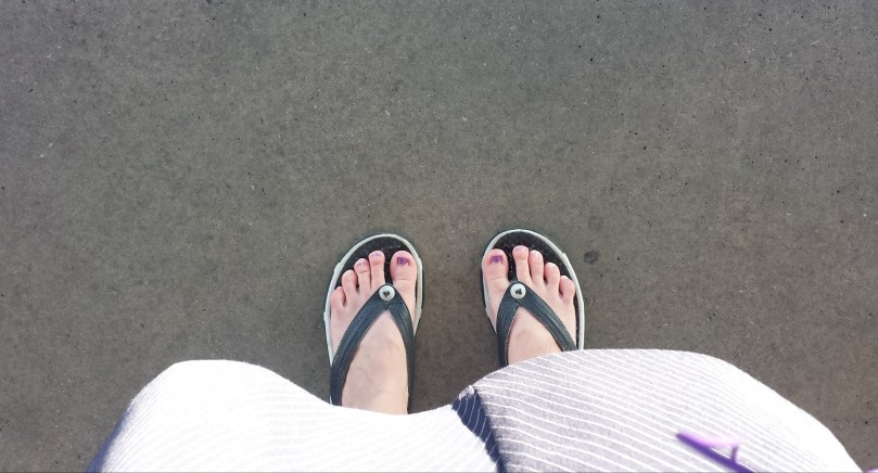 In which our intrepid heroine attempts parallel feet at Howard terminal while waiting for the train